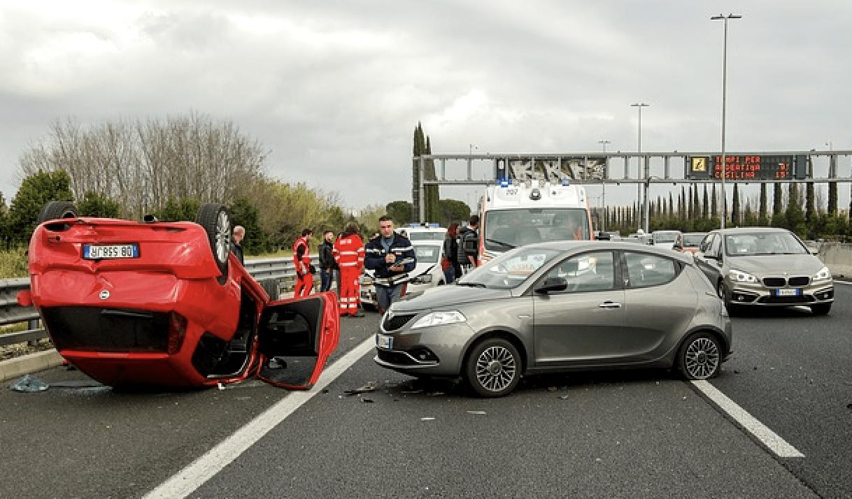 Gutachter Autounfall - Kfz-Gutachter und Sachverständiger Griesche ...